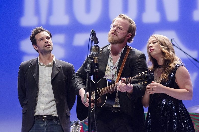 The Lone Bellow 7 800